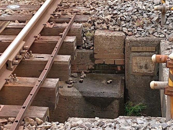 蘇我にある明治時代のレンガ橋の遺構