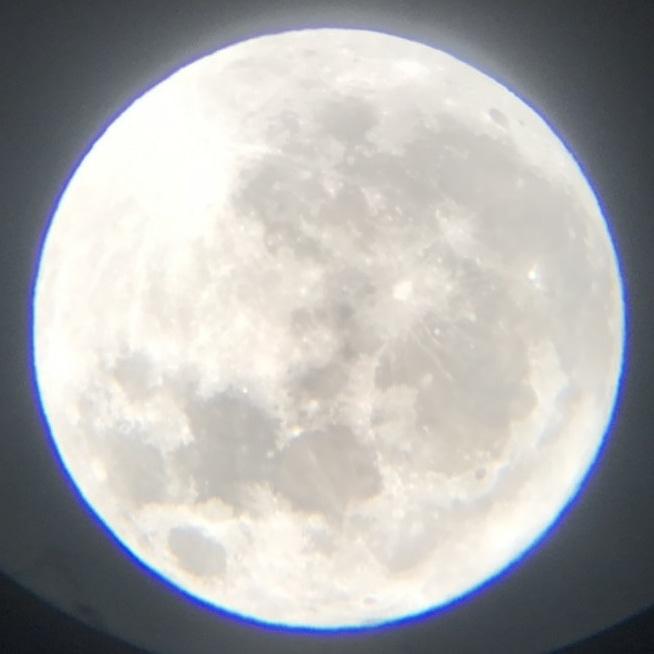 塾生がスマホと双眼鏡で撮った満月
