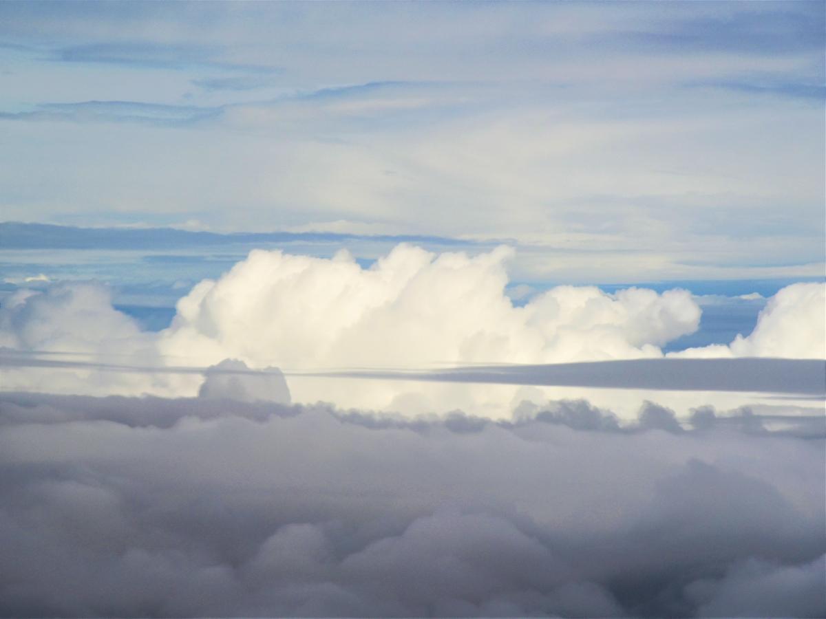 飛行機から見る雲の種類