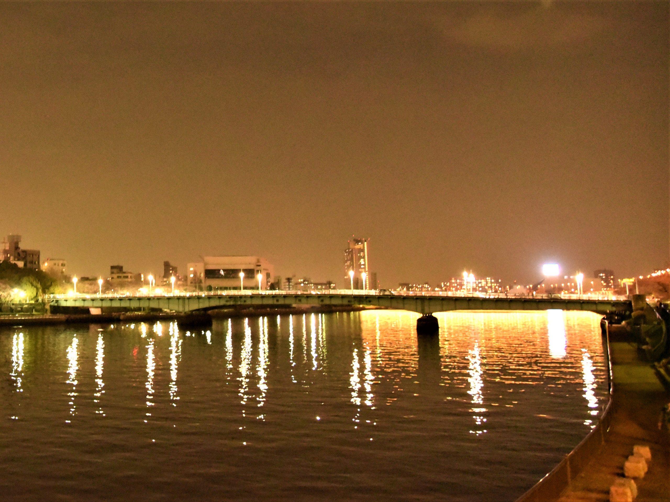 荒川の夜景