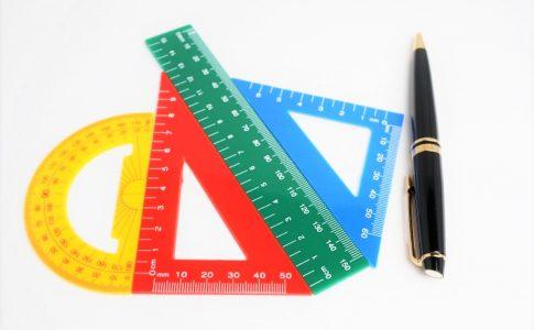 分度器と三角定規と直線定規