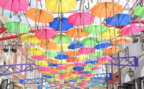 傘のオブジェ